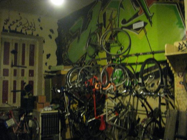 bike-shop-bar