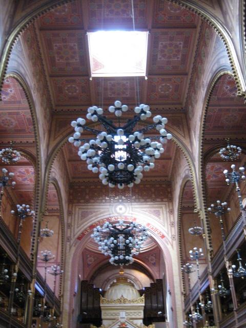 synagogue-lamp