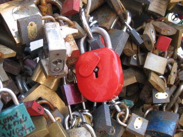 love-locks-at-pecs