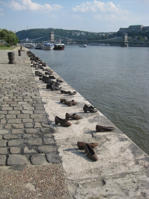 shoes-on-the-promenade