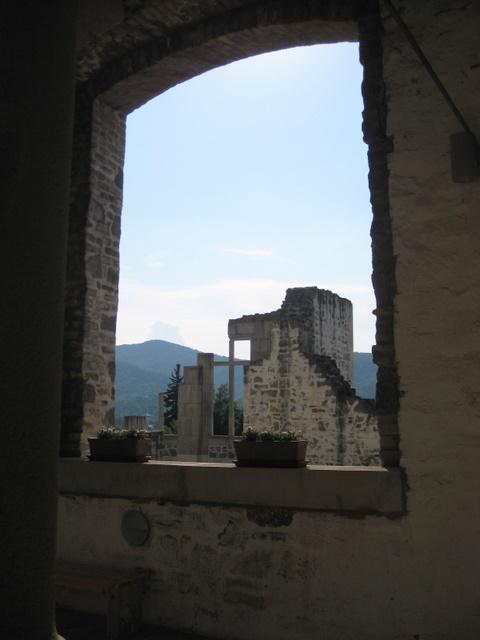 palace-ruins-view