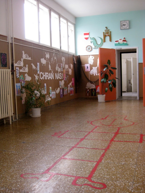 hopscotch-in-the-hallway